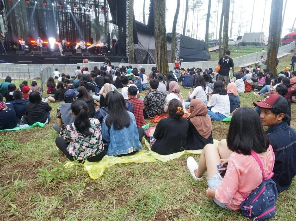 Aksi Blonde Tutup Lalala Festival 2018