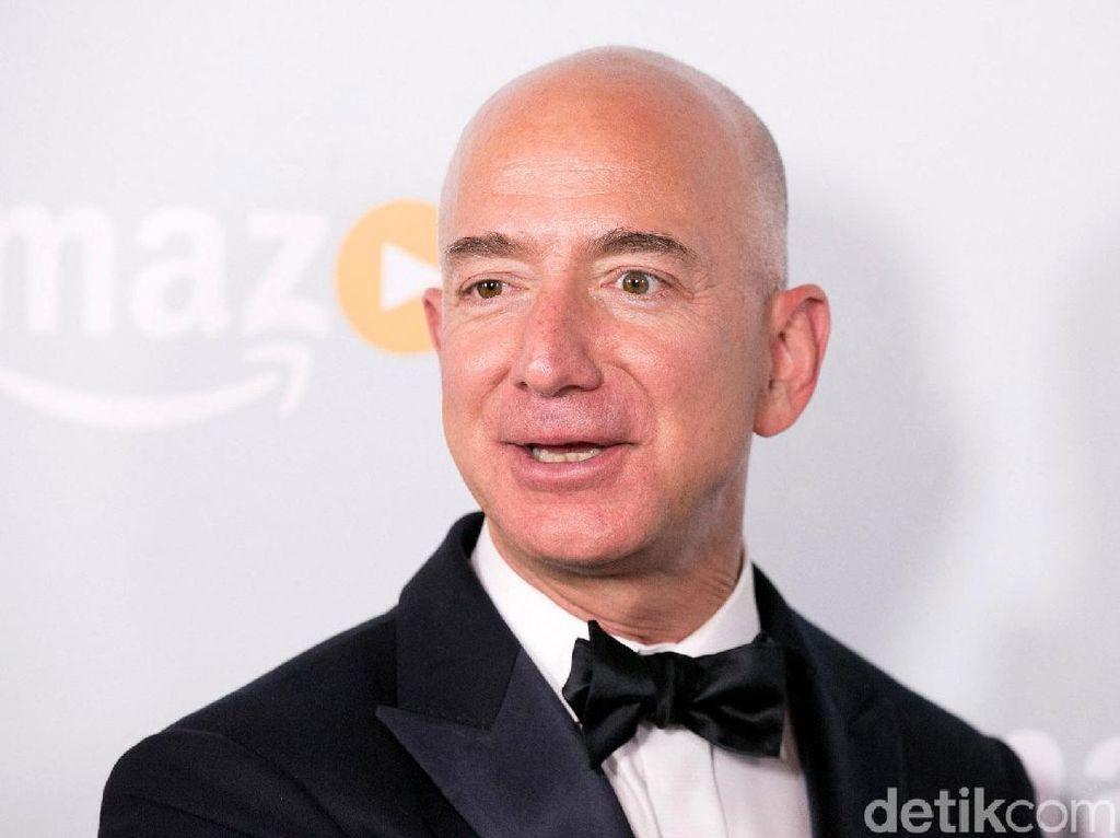 Jika Dibentangkan, Uang Jeff Bezos Bisa Kelilingi Bumi