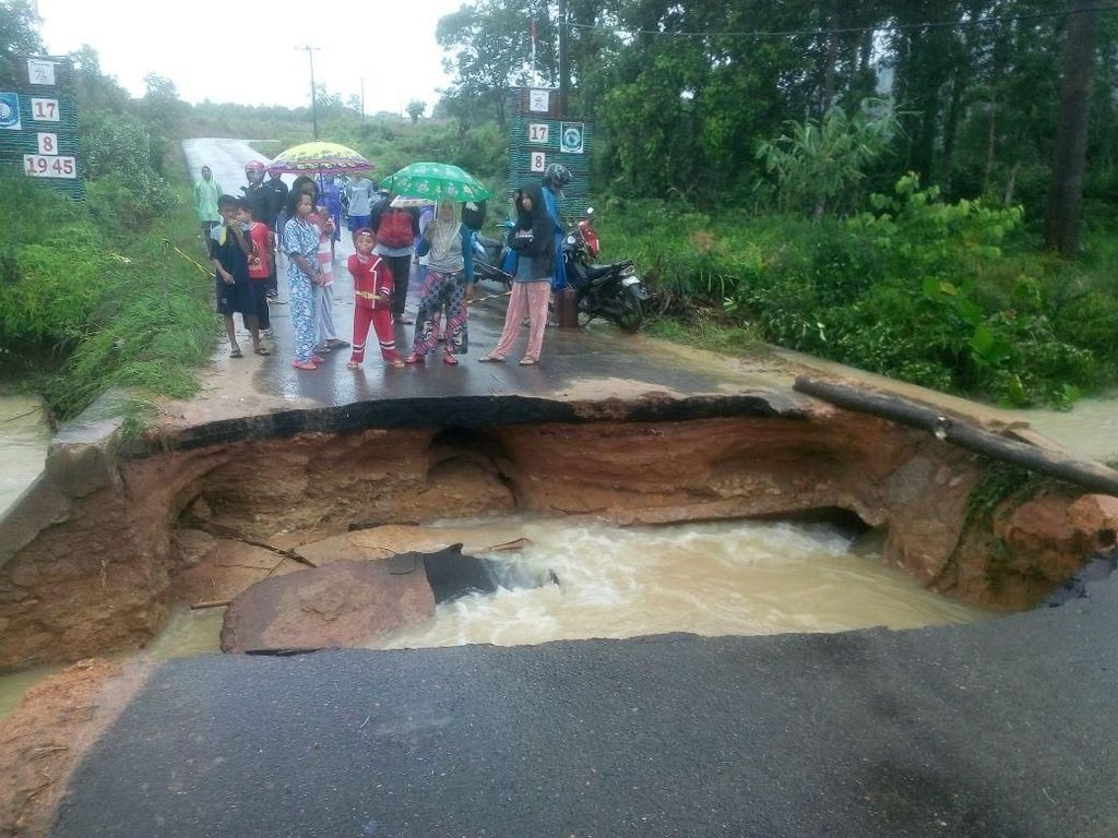 Penampakan Banjir yang Rendam Ratusan Rumah di Bangka Belitung