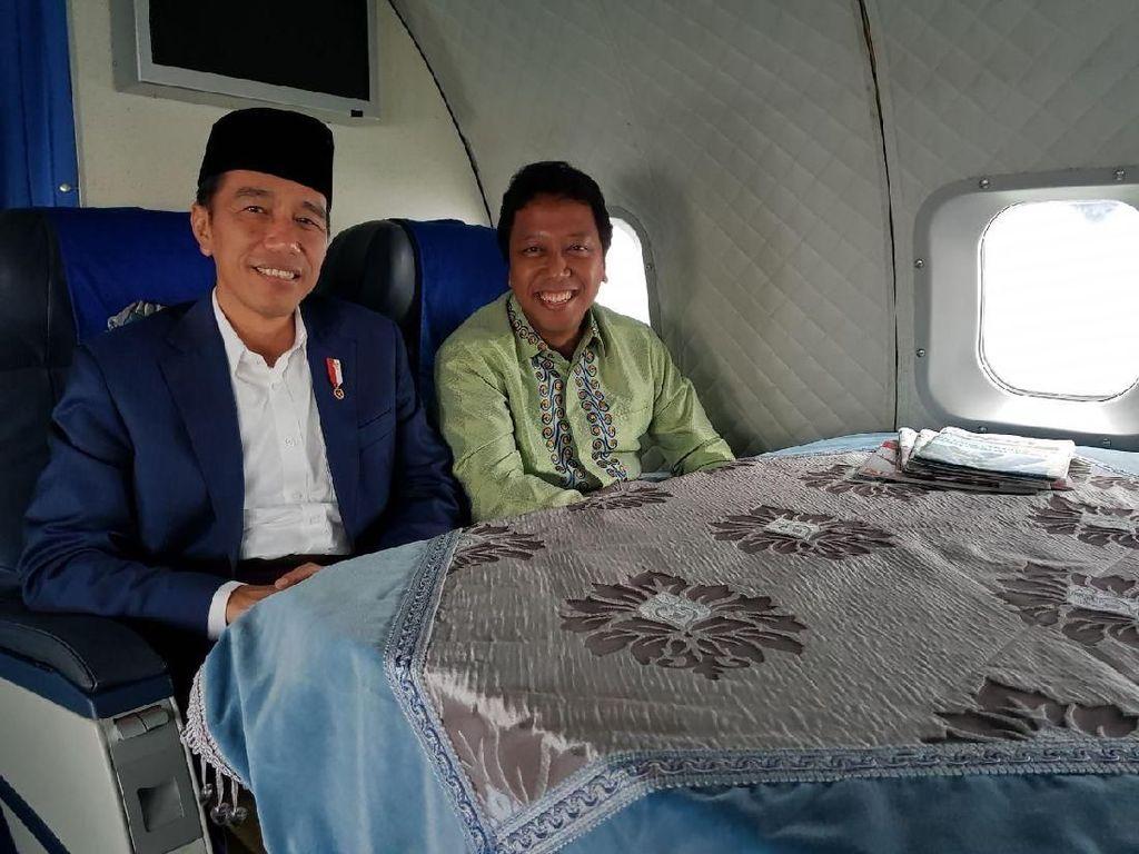 Foto: Jokowi dan Rommy di Nikahan Cucu Mbah Moen di Cirebon