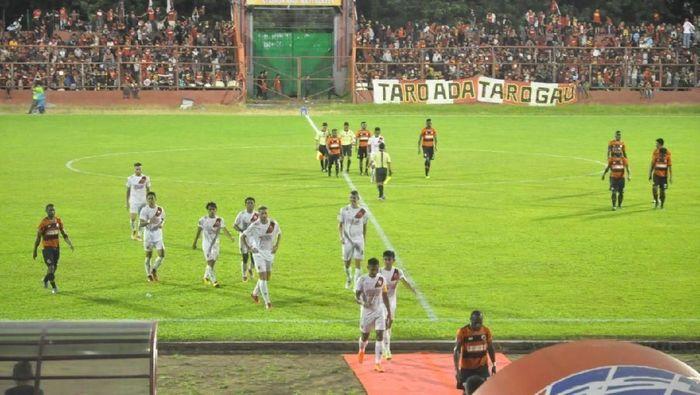 PSM Makassar menang 3-0 atas Perseru di laga uji coba (Foto: Reinhard Soplantila)