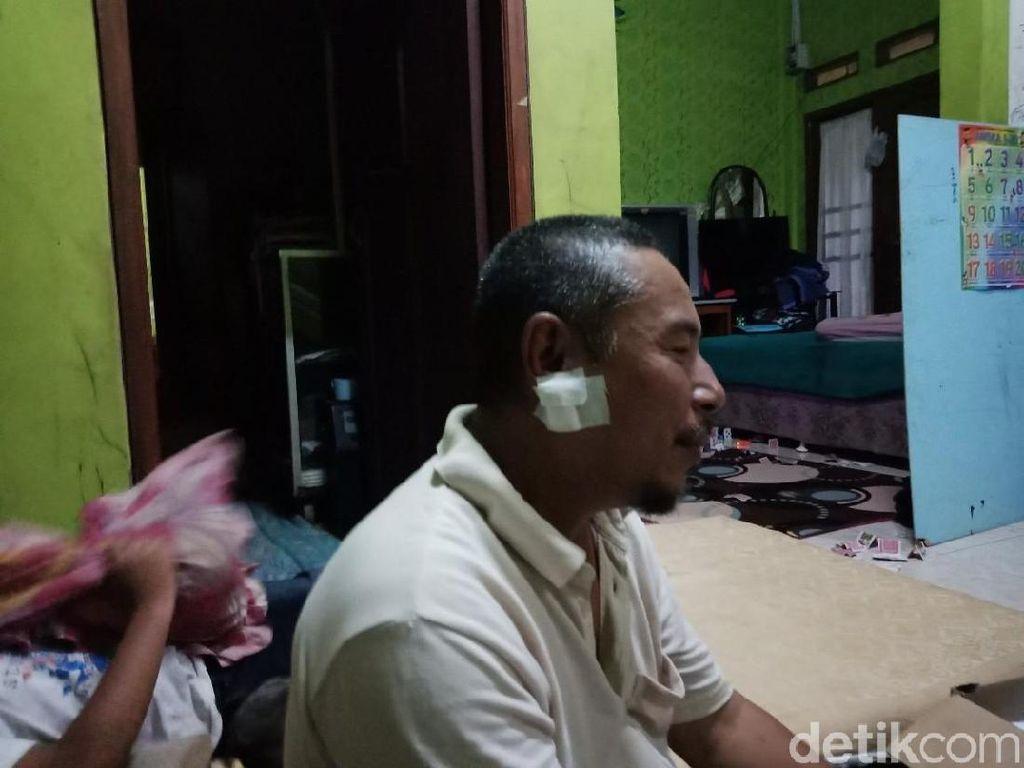 Perban di Rahang Abdul yang Ditusuk Saat Salat Subuh di Masjid