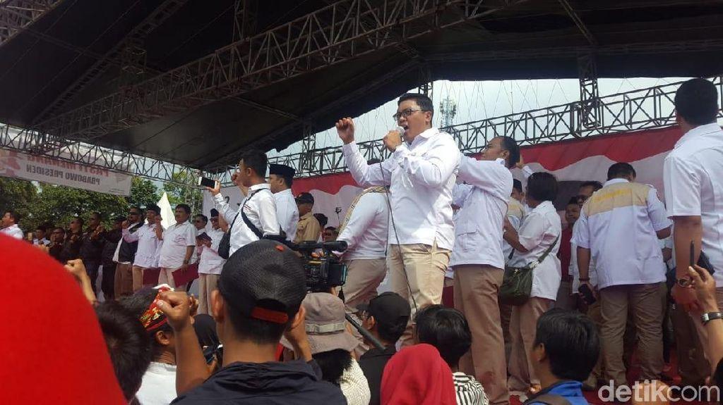 Kepalan Tangan Gerindra DKI di Deklarasi Prabowo Capres 2019