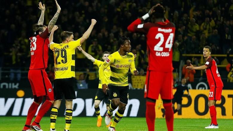 Batshuayi Selamatkan Tiga Poin Dortmund Saat Menjamu Eintracht Frankfurt