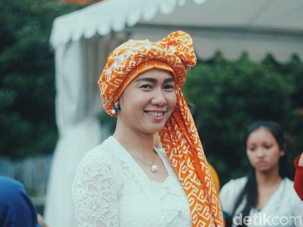 Cantiknya Tudung Tradisional Jambi yang Mirip Hijab Turban
