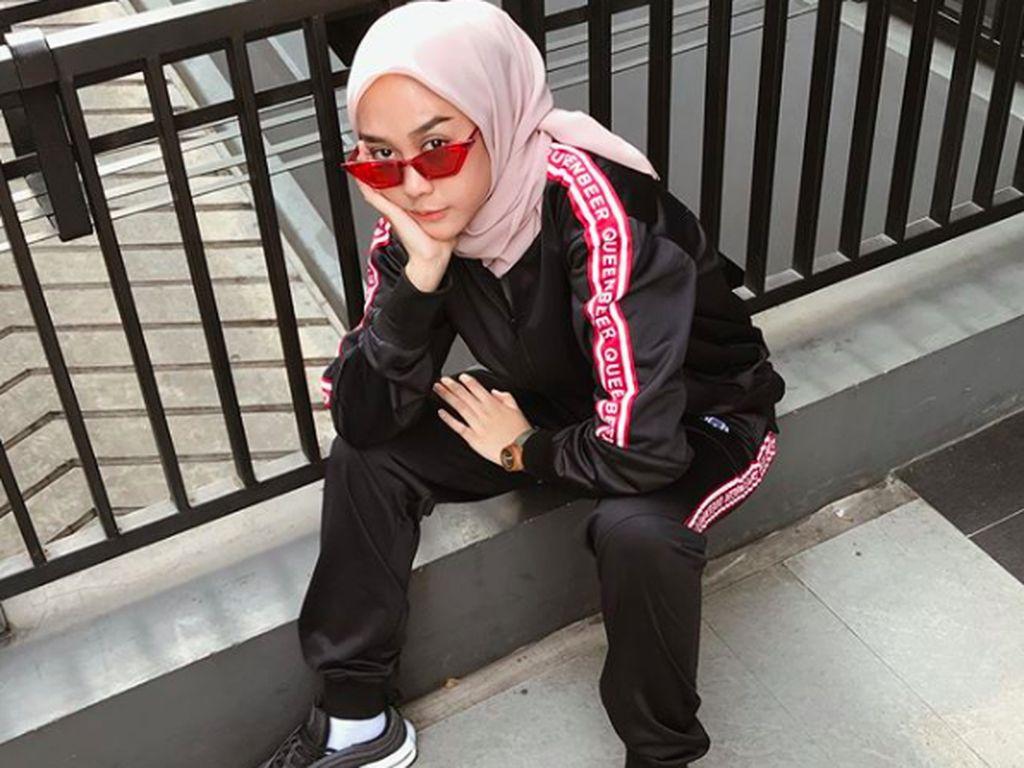 10 Inspirasi Gaya Hijab Buat Kamu yang Ingin Tampil SWAG