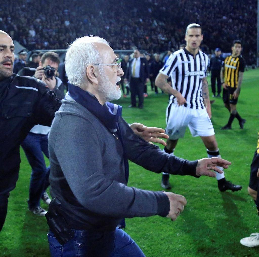 Buntut Pistol Masuk Lapangan, Liga Yunani Disetop