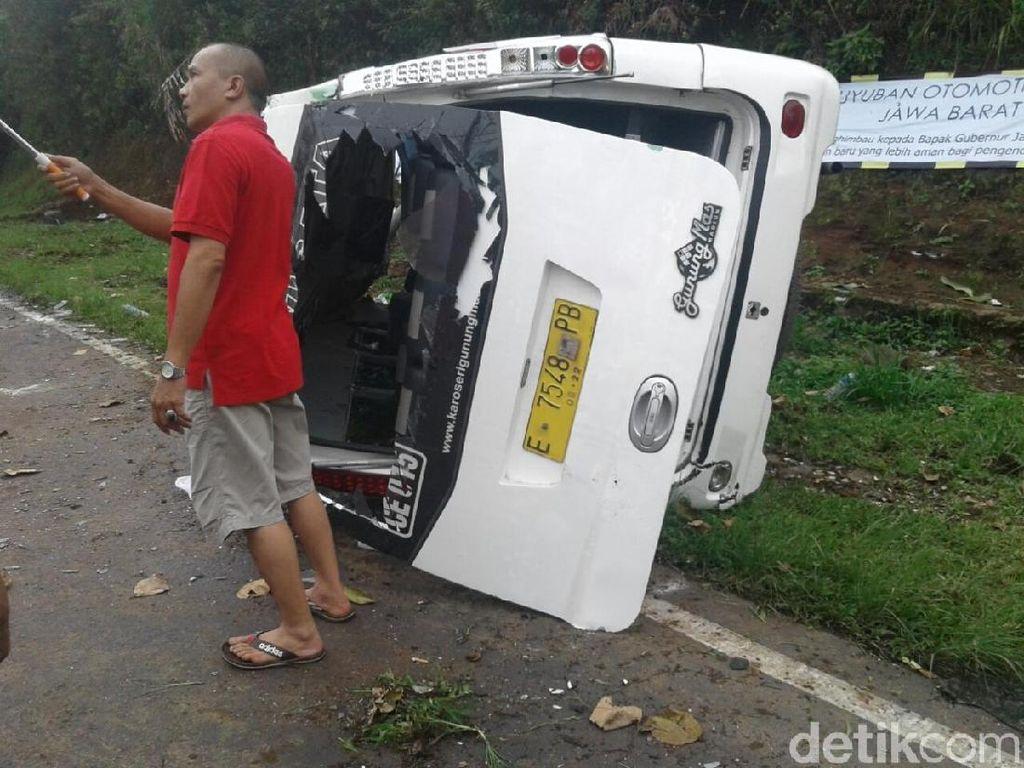 Begini Kerusakan Minibus yang Kecelakaan di Tanjakan Emen Subang
