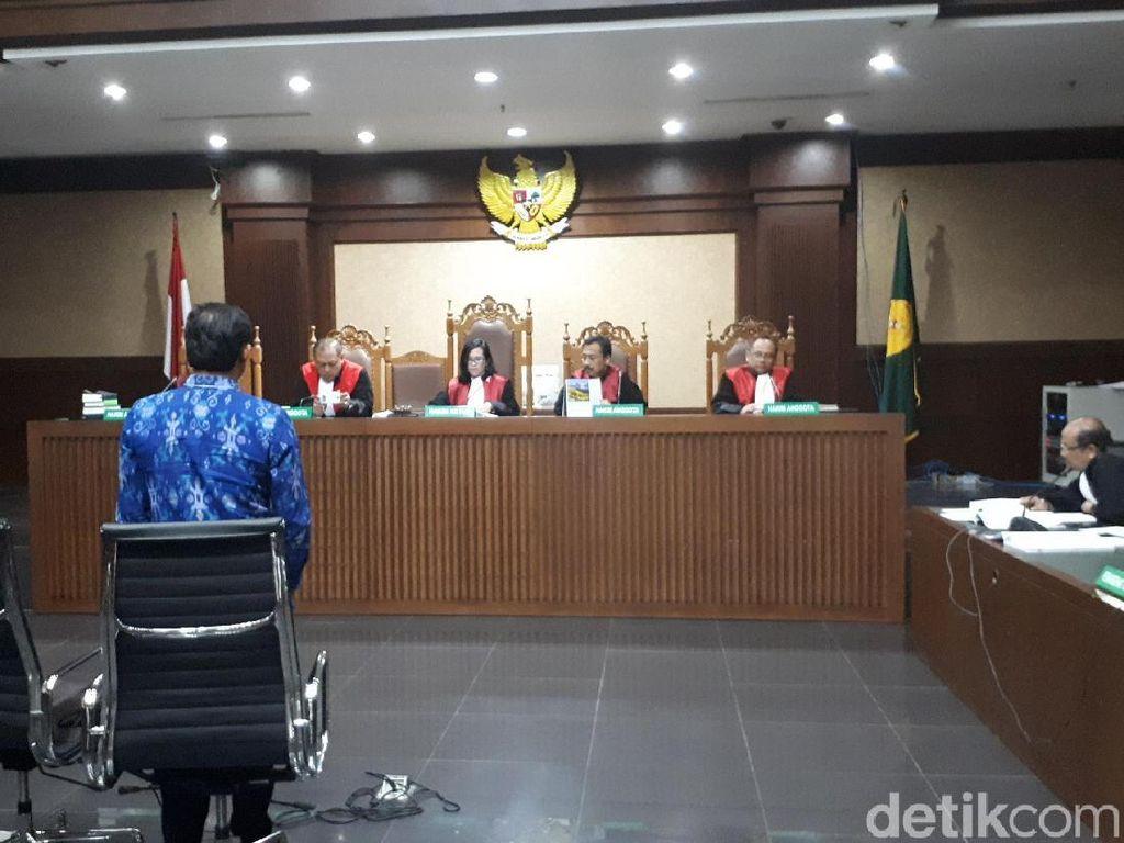 Kasus Suap Sapi-Kambing, Eks Panitera PN Jaksel Divonis 4 Tahun Bui