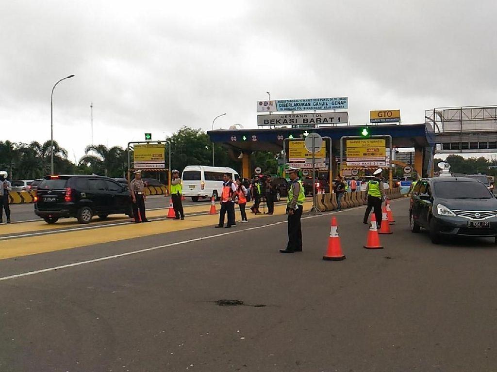 Terapkan Ganjil Genap, Polisi Ingin Warga Beralih ke Angkutan Umum