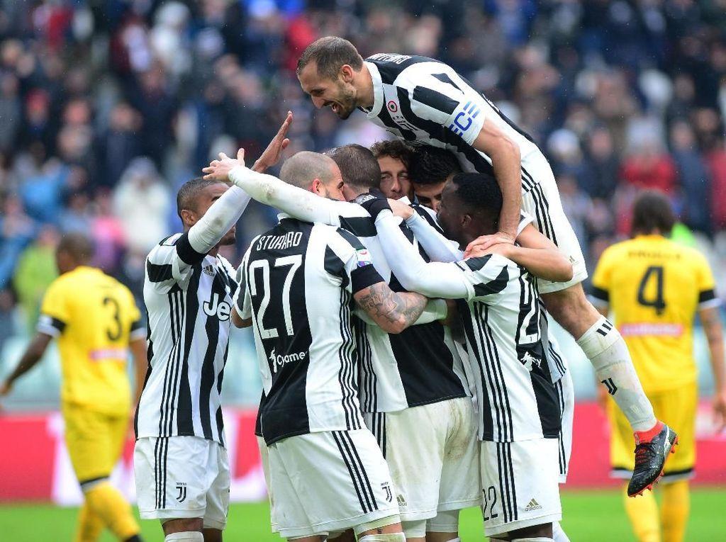 Foto: Juventus Rebut Puncak Klasemen Serie A