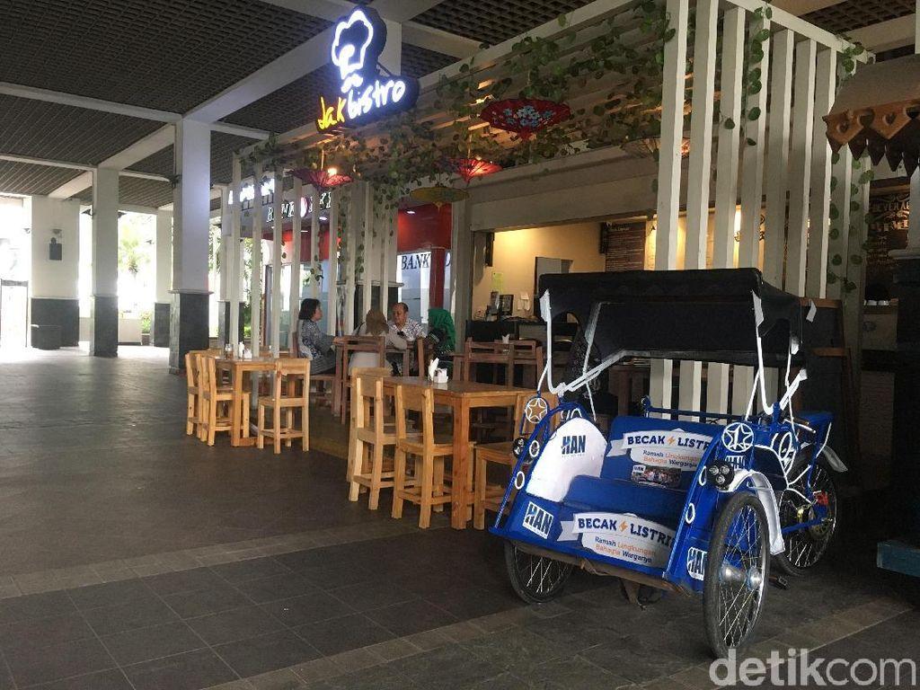 Becak Listrik dari Putra Amien Rais Dipajang Anies di Dekat Kafe Balkot