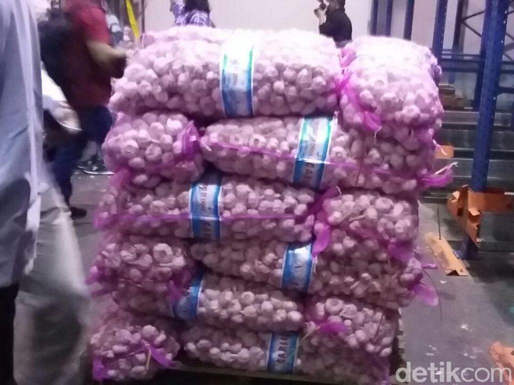 Ada Impor 100 Ribu Ton Bawang Putih, Cukup hingga Lebaran?