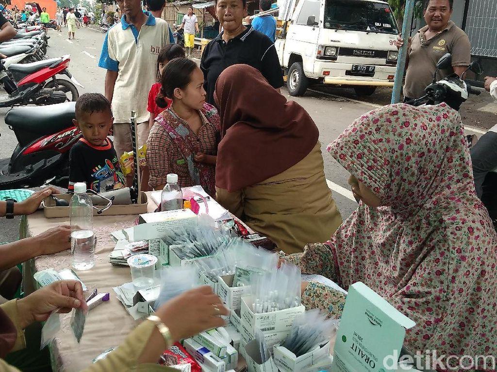 Korban Banjir di Cirebon Keluhkan Gatal-gatal dan ISPA