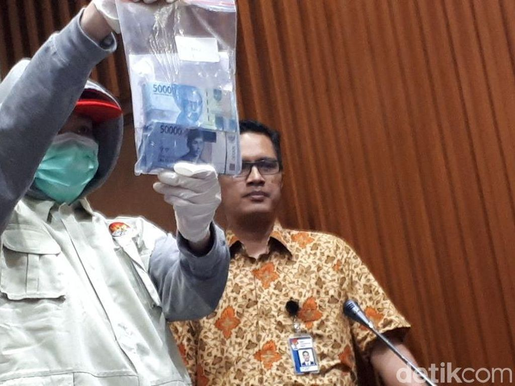 Kronologi Suap Rp 30 Juta untuk Hakim PN Tangerang
