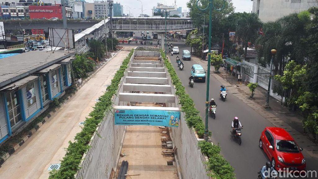 Melihat Progres Pembangunan Underpass Matraman di Pertengahan Maret