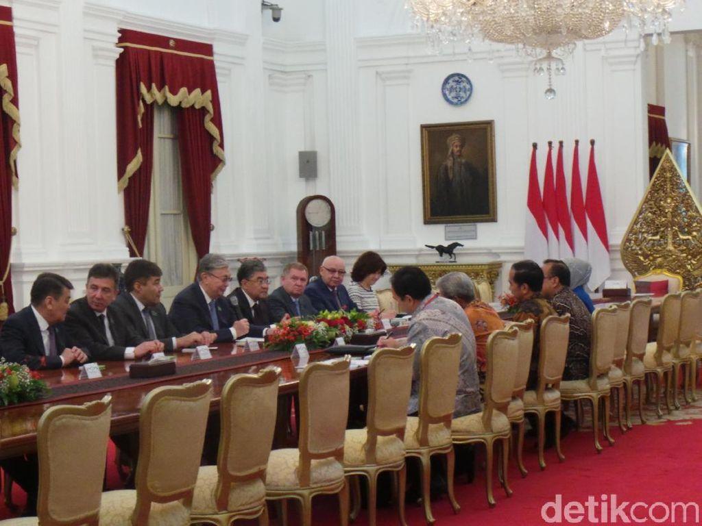 Parlemen Kazakhstan Temui Jokowi di Istana