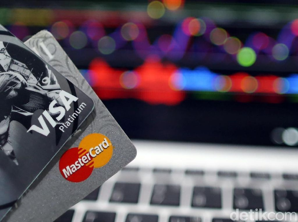 OJK: Banyak Masyarakat Pakai Kartu Kredit Tapi Tak Paham