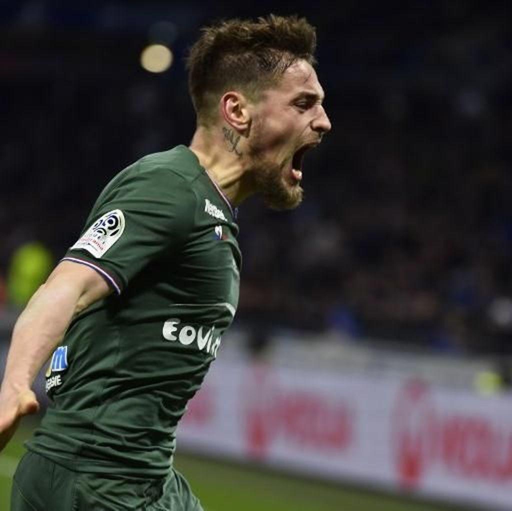 Debuchy Hidup Kembali di Ligue 1