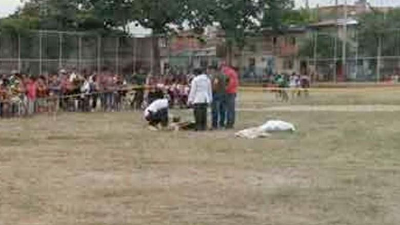 Pistol dan Sepakbola: Dari Wasit sampai Maradona