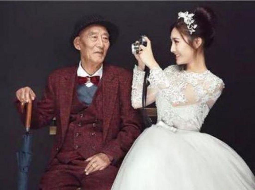 Foto: Kisah Haru di Balik Wanita China yang Nikahi Sang Kakek