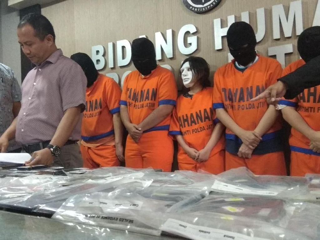 Polisi Bekuk Lima Pelaku Taksi Online Antar Tuyul