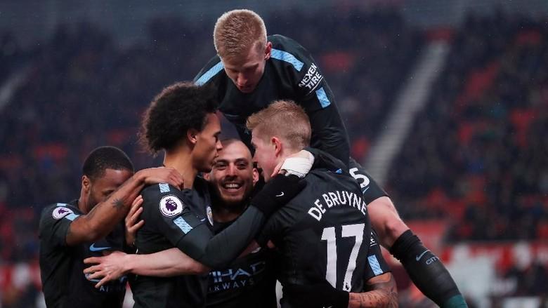 Tentang Peluang City Kunci Titel Saat Derby Manchester