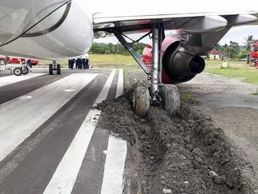Lion Selidiki Insiden Roda Batik Air Amblas ke Pasir di Manokwari