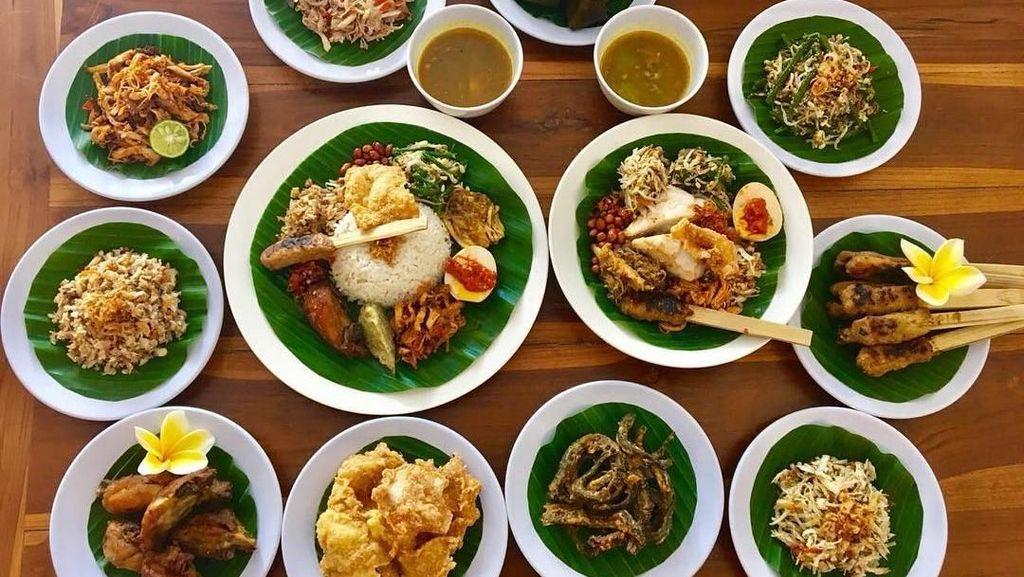 Mau Makan Siang Nasi Campur Bali? Lihat Rekomendasi dari Netizen