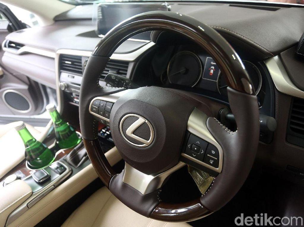 Tak Mau Setengah-setengah, Lexus Ingin Mobil 100% Buatan RI