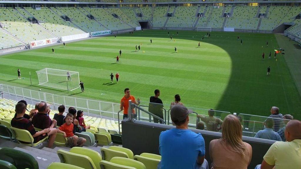 Mau Lihat Kandangnya Tim Sepakbola Egy Maulana di Polandia?