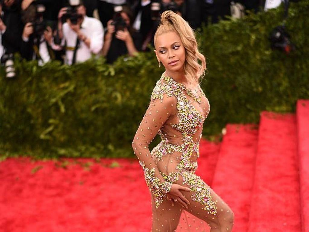 Mau Punya Tubuh Seperti Beyonce? Contek Yuk Kebiasaan Makannya