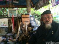 Sesepuh Lembur Salawe Latif Adiwijaya