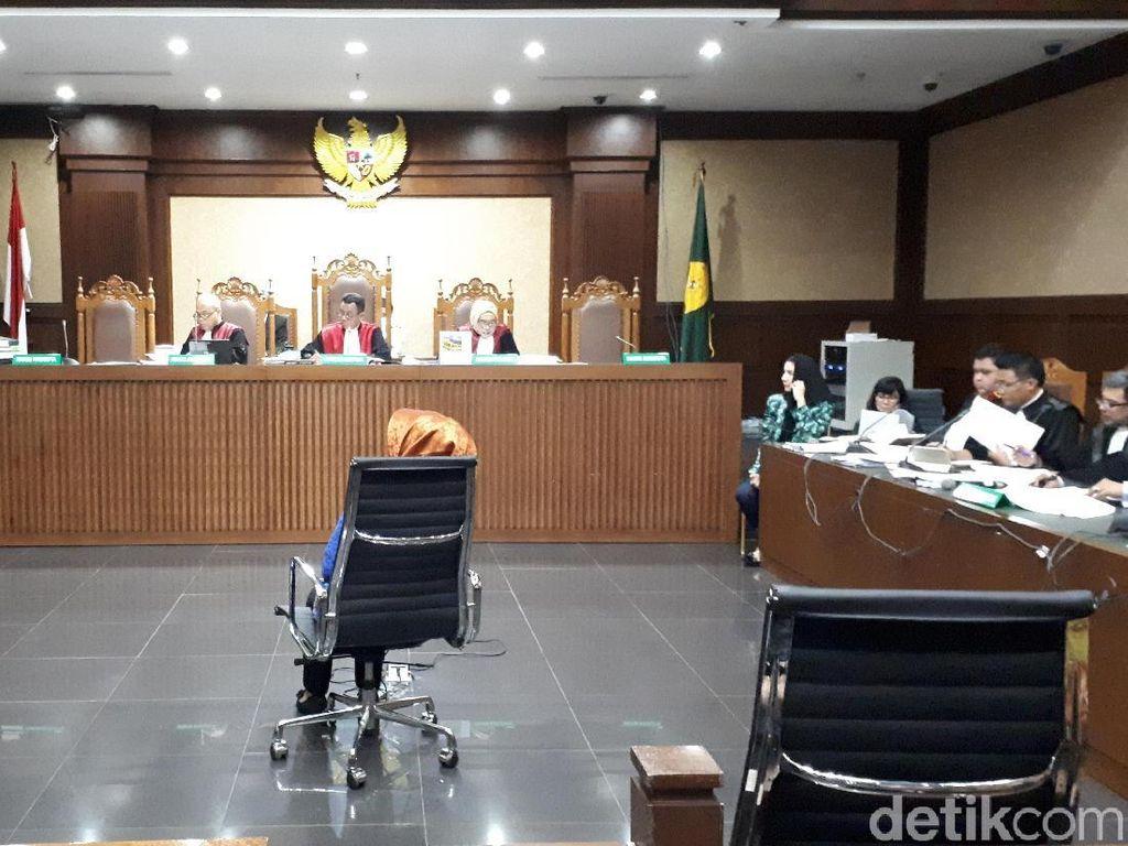 Jaksa Tanya Saksi soal Bupati Rita Diberi Rp 6 M untuk Izin Sawit