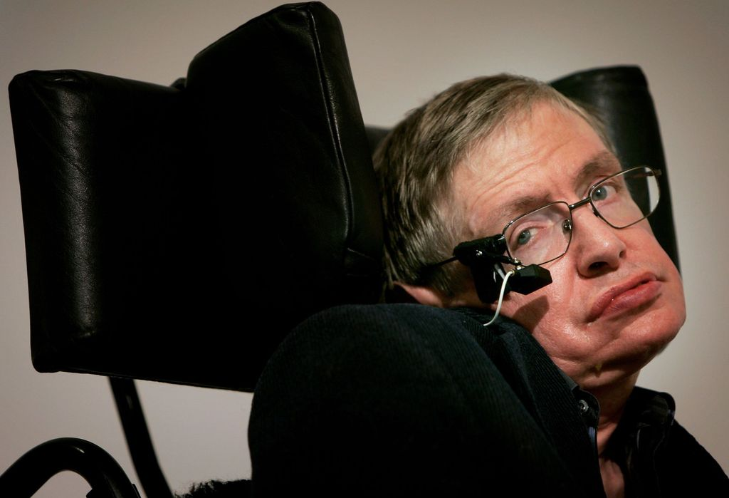 BEIJING - JUNE 18:  (CHINA OUT) British scientist Stephen Hawking, visits the Temple of Heaven June 18, 2006 in Beijing, China. Hawking is visiting Beijing to attend the 2006 International Conference on String Theory, according to state media.  (Photo by China Photos/Getty Images)