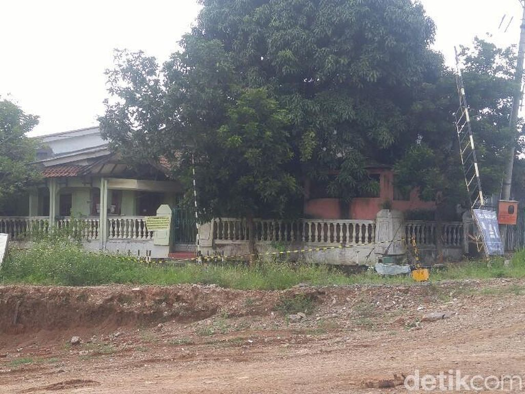 Ada Rumah Sengketa di Tengah Tol Batang-Semarang