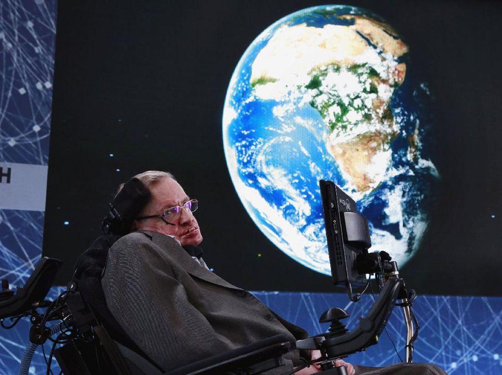 Pujian Setinggi Langit untuk Stephen Hawking