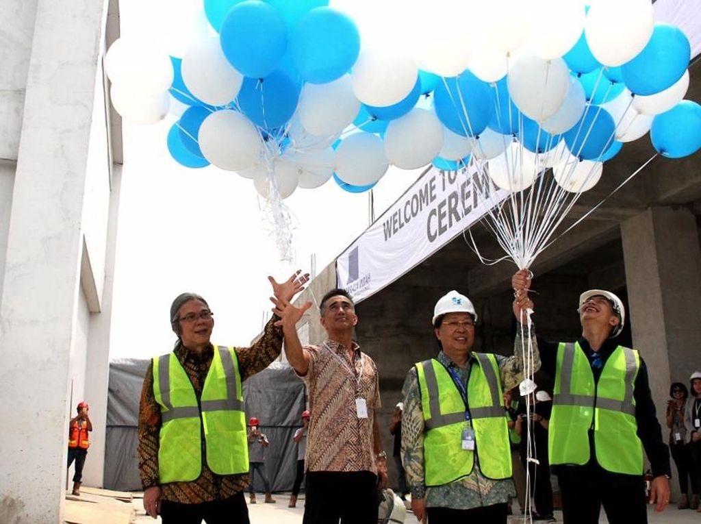 Topping Off Gedung Baru Layanan Pusat Data Center