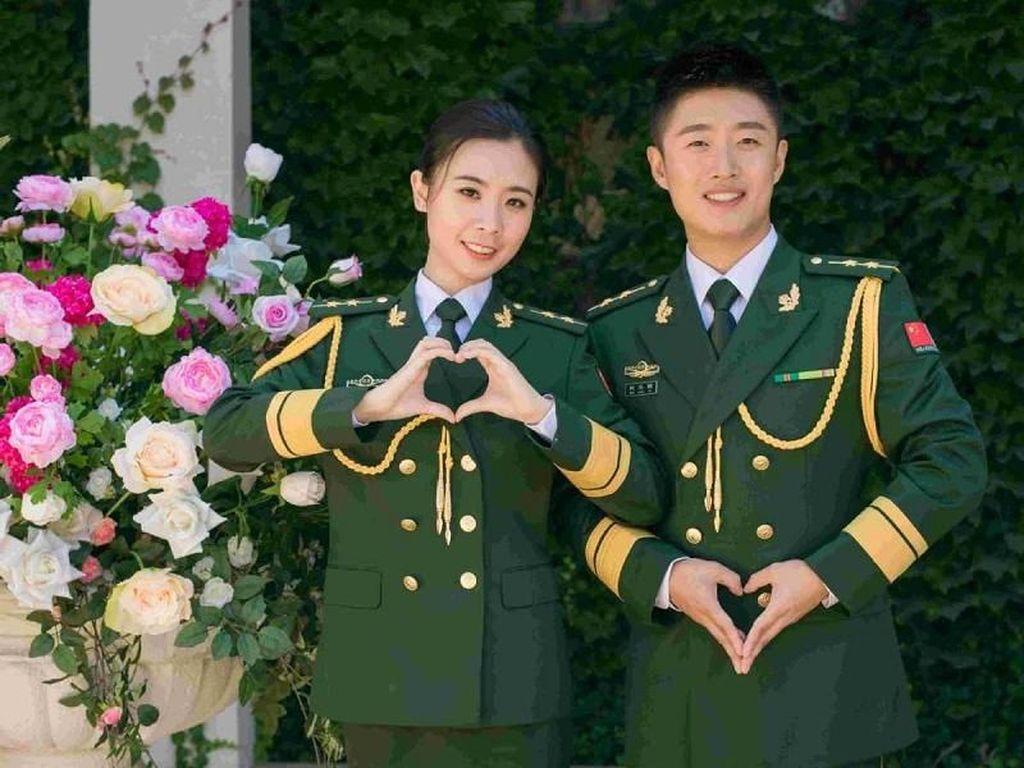 Kisah Romantis Pasangan 7 Tahun Jalin Cinta yang Hanya Bertemu 100 Hari