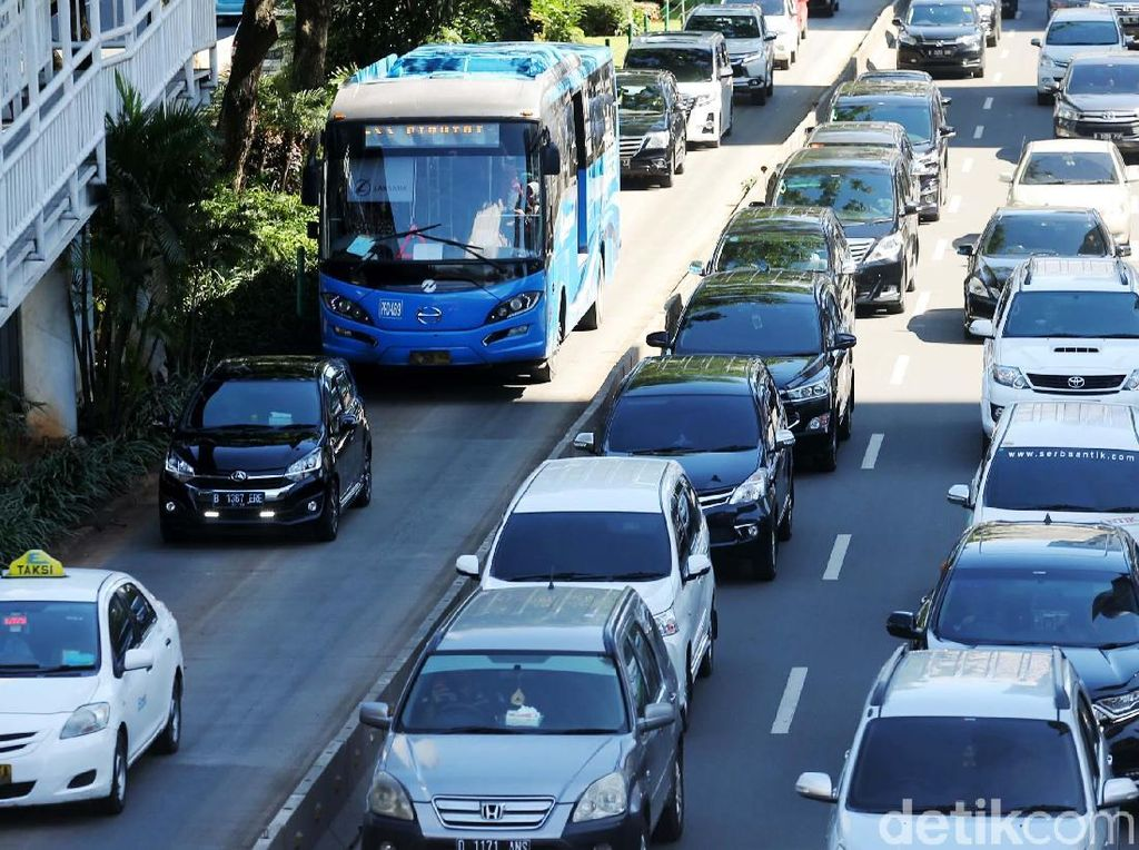 TransJakarta Kaji Integrasi Tilang Elektronik untuk Sterilisasi Jalur