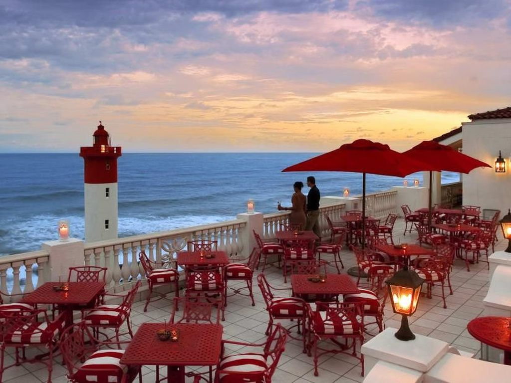 10 Rooftop Bar di Dunia yang Punya Pemandangan Spektakuler