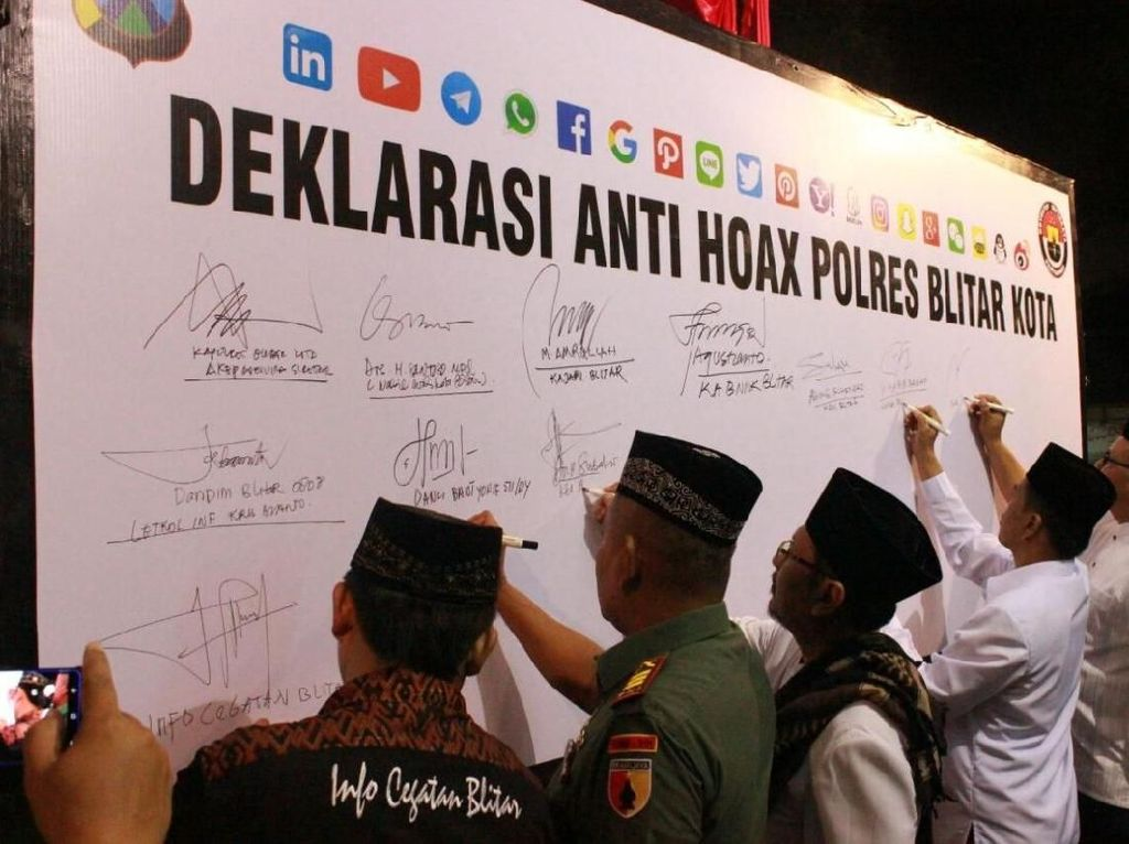 Usai Tablig Akbar, Polresta Blitar Gelar Deklarasi Antihoax