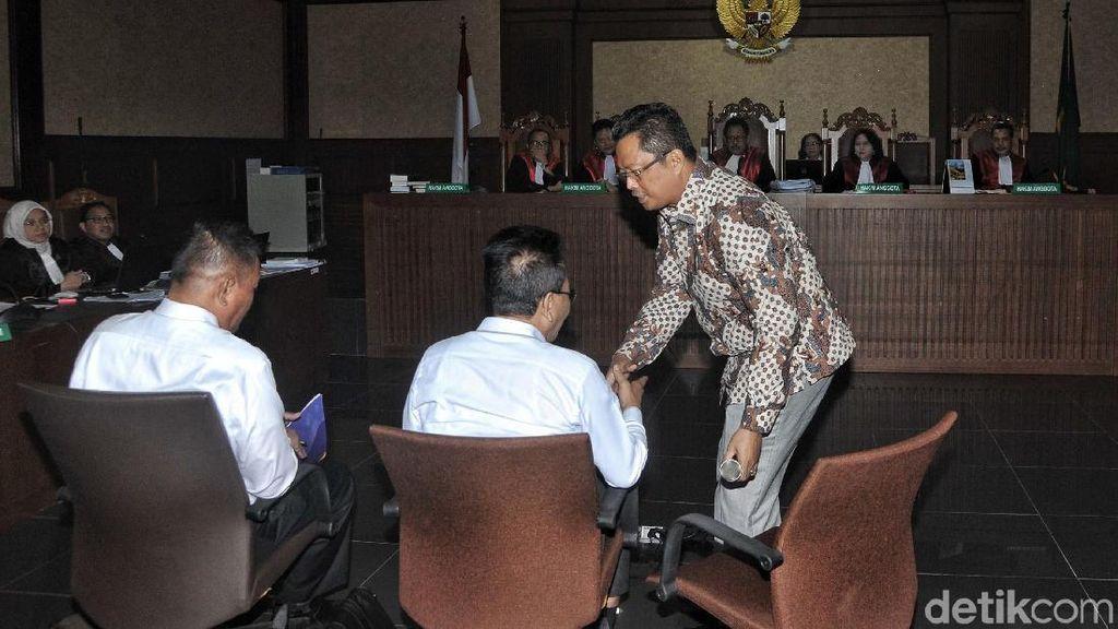 Wakil Ketua MPR Mahyudin Bersaksi untuk Novanto