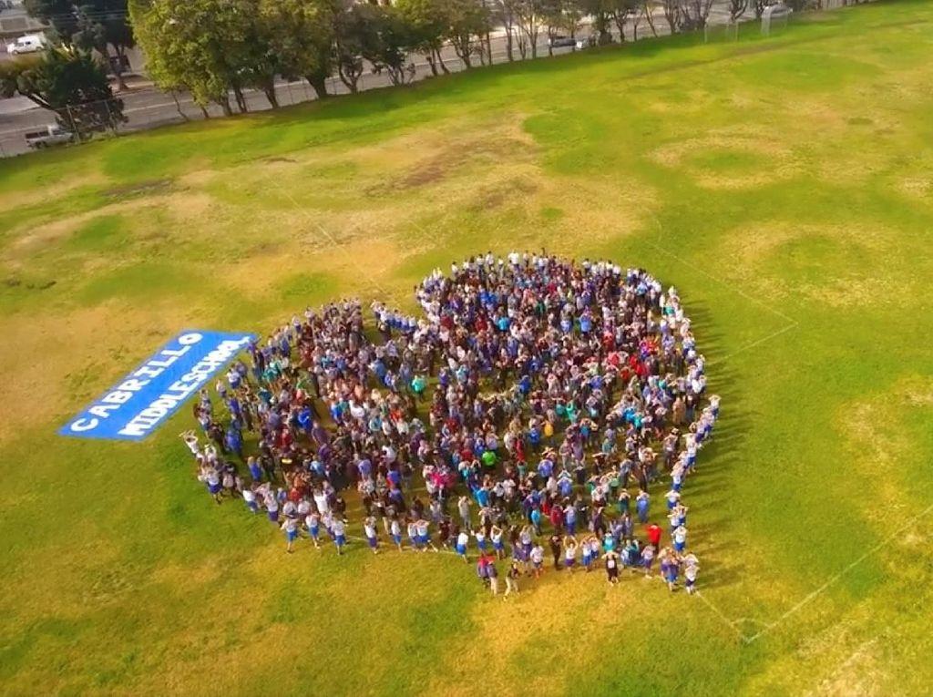 Riuh Dunia dalam Gambar: Demo Pelajar AS, Peraih Nobel Hilang