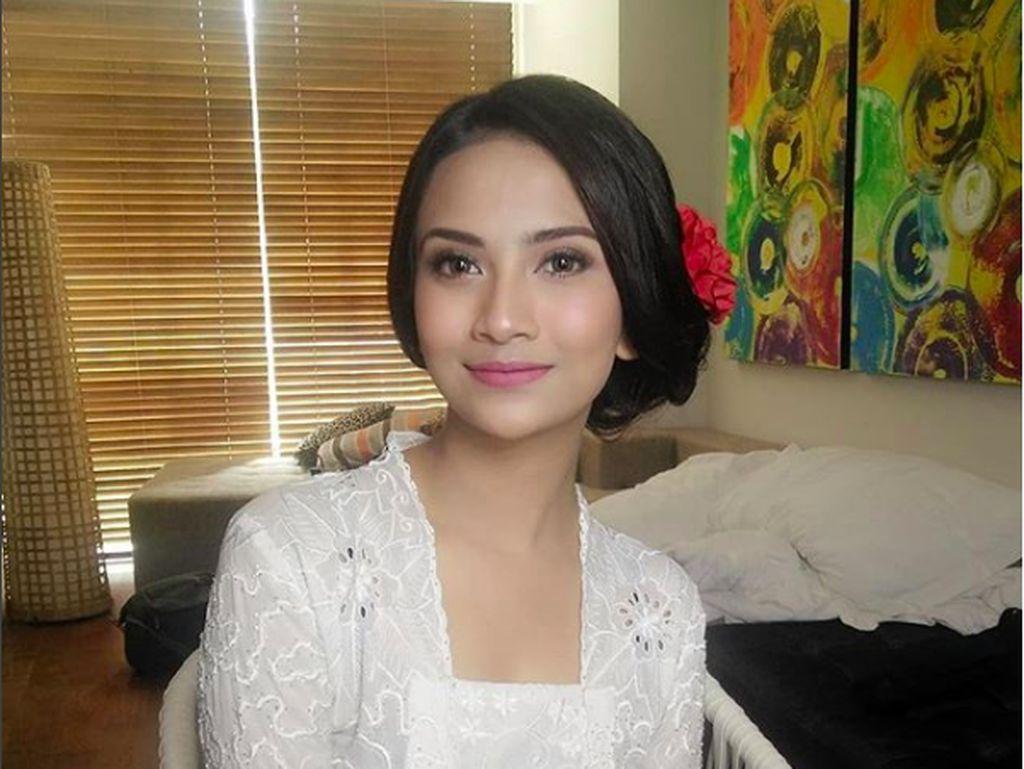 Vanessa Angel Kini Berhijab saat Video Call dengan Mantan Pacar