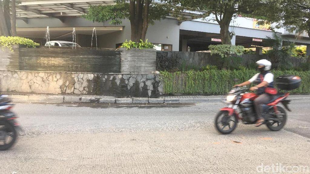 Lokasi Mercy Tabrak Polisi karena Kaget Disetop di Taman Anggrek