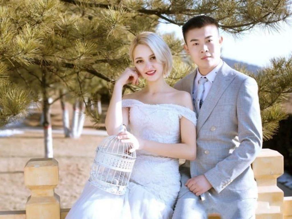 Menikah Tanpa Terima Mahar, Wanita Bule Ini Dipuji Netizen