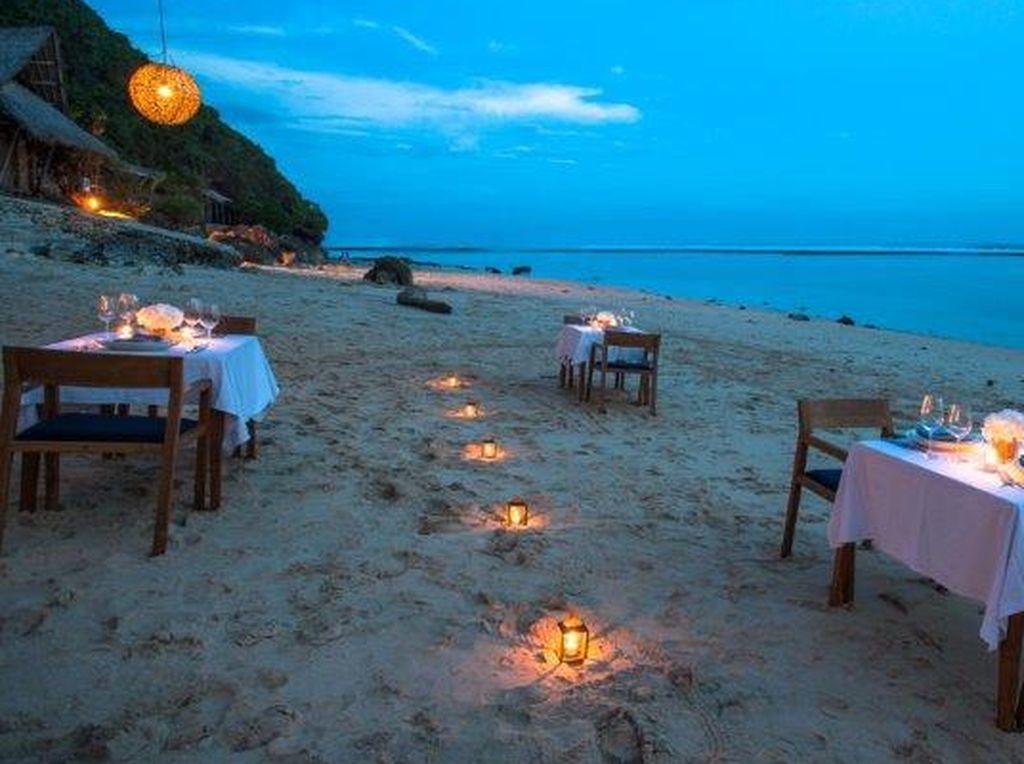 10 Restoran Ini Punya Seafood, Pantai dan Sunset Keren di Bali