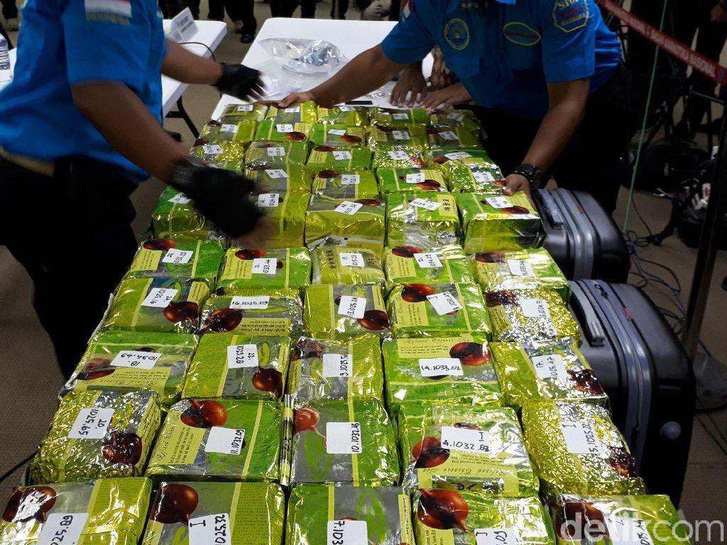 Foto: Sabu 51 Kg Dalam Koper di Ancol Dipamerkan BNN