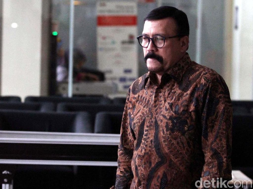 Aktor Le Roy Osmani Diperiksa KPK Kasus Emirsyah Satar